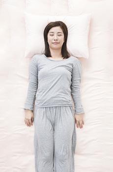 姿勢が睡眠に与える影響