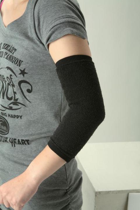 ブレスサーモサポーターひじ用 吸湿発熱抗菌防臭肘サポーター(ミズノ)